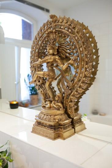 Figur des Nataraja im Spa-Bereich - (c) yoga privé