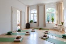 Der Raum für Yoga mit seitlicher Sicht - (c) yoga privé