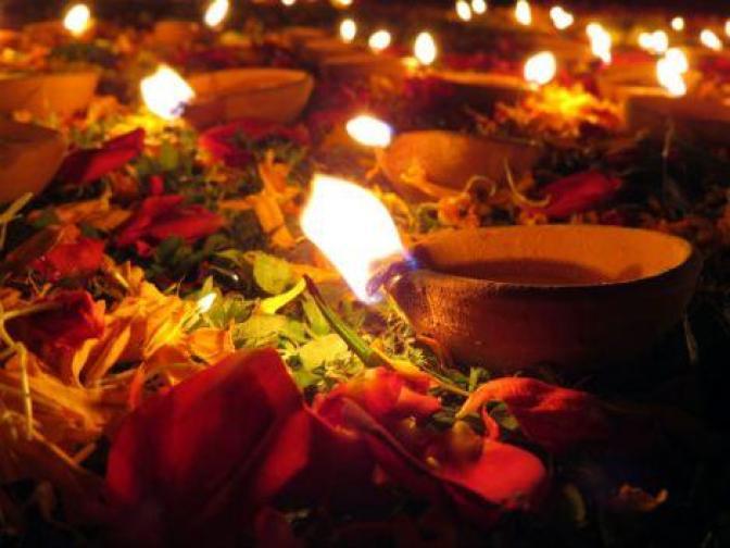 happy-diwali-feliz-festival-luz-L-sR6IOy