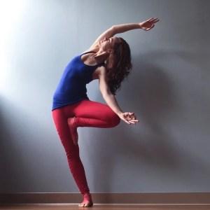 yoga tree vrksasana variation asana sidebend