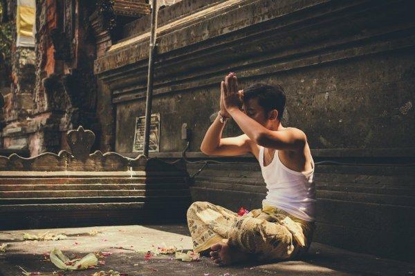 meditation homme yoga
