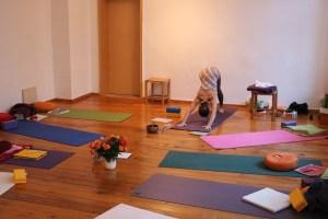 Yoga & Yoga - Unterricht mit Dr. med Wiebke Mohme von Yoga & Cure