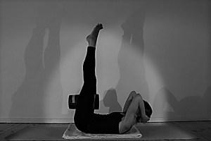 Körperwissen & Anatomie für Yogalehrerinnen & Yogalehrer mit der Ärztin Dr. med. Wiebke Mohme. Dies Yoga Fortbildung ist Yoga Alliance anerkannt. Jede Yogarichtung, egal ob Iyengar, Kundaline, Yoga Vidya, Hot Yoga, Vinyasa oder Hatha Yoga ist willkommen!