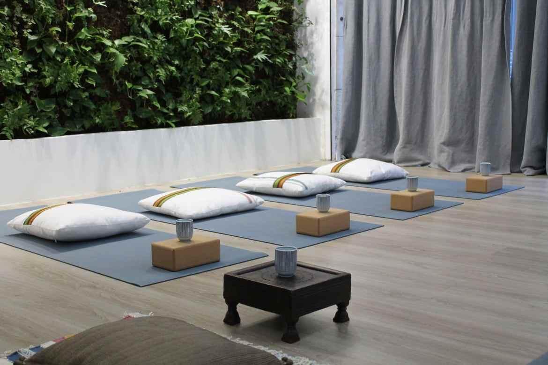 cours de yoga en petit groupe