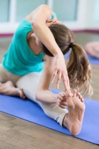 Cours Yoga intermédiaire avancé hatha exercices posture yogamanjali filla brion Paris 20