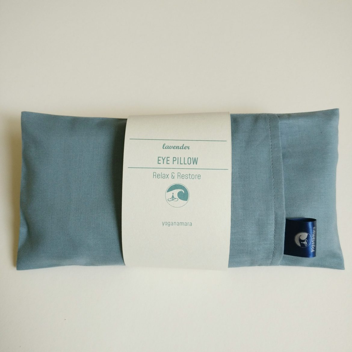 eye pillow with lavender cotton fabric
