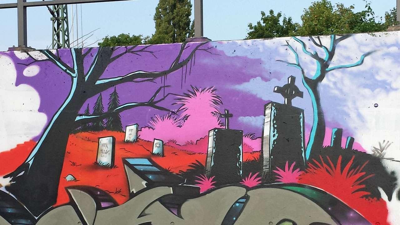 Grafitti Friedhof Vergänglichkeit Demut © Annette Bauer yoga-xperience.de