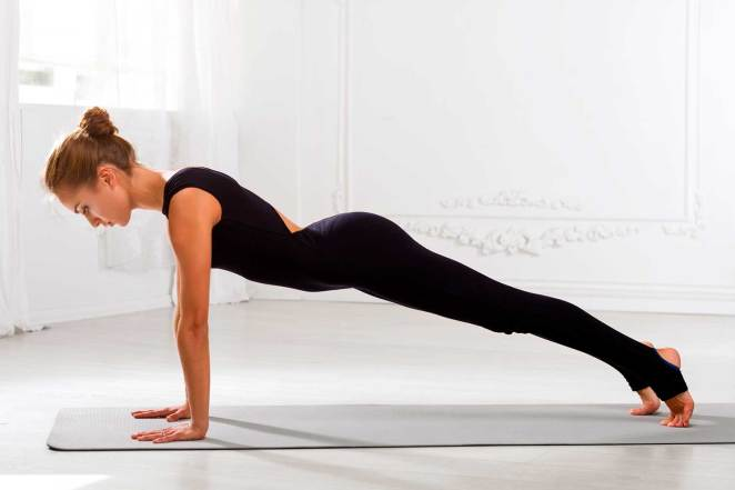 6 Anatomical Benefits of Plank Pose - YOGA PRACTICE