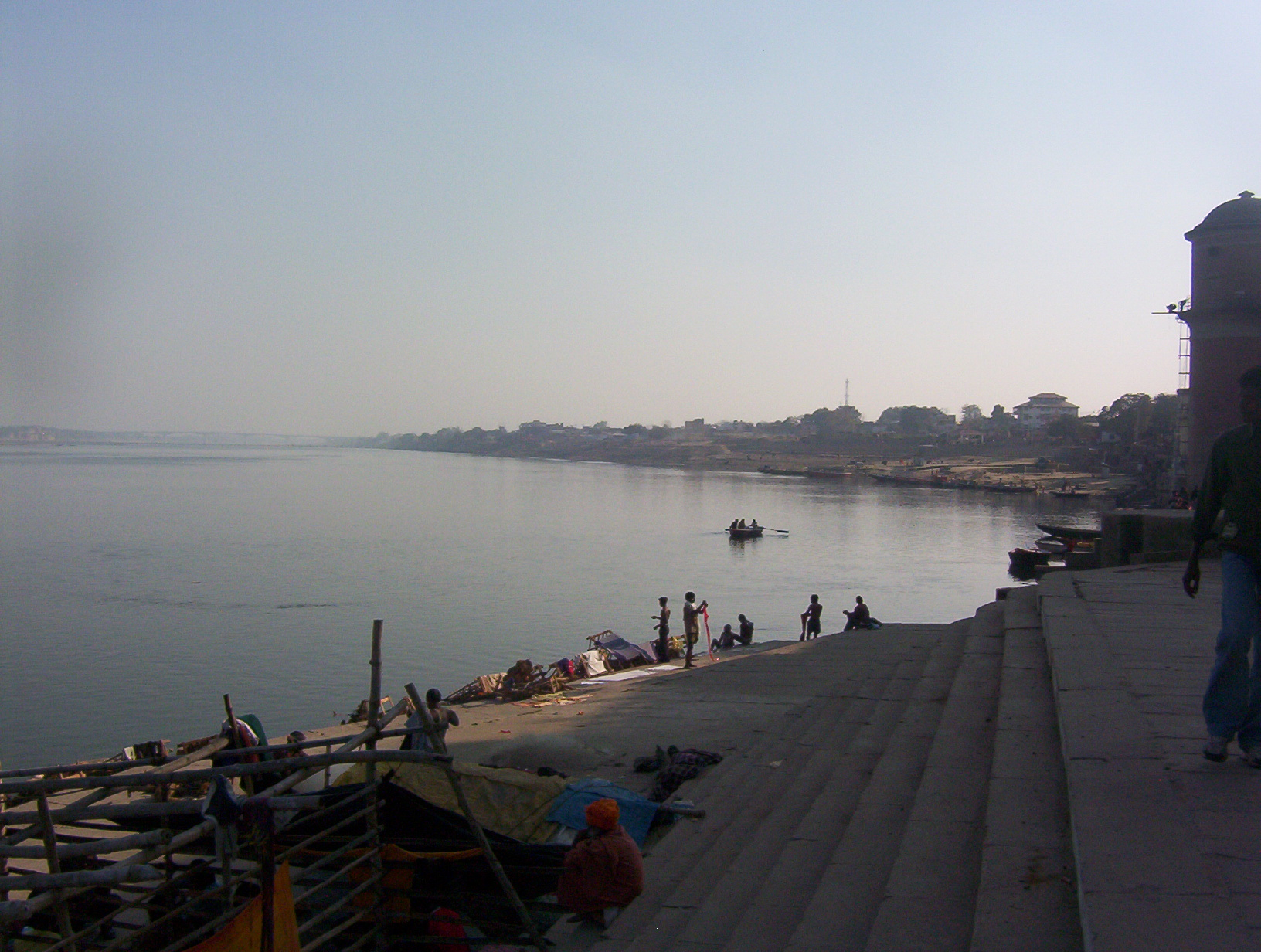 The placid Ganga from its ghats...