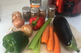 ingredients for slow cooker vegan chilli recipe