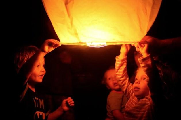closing sky lantern ceremony