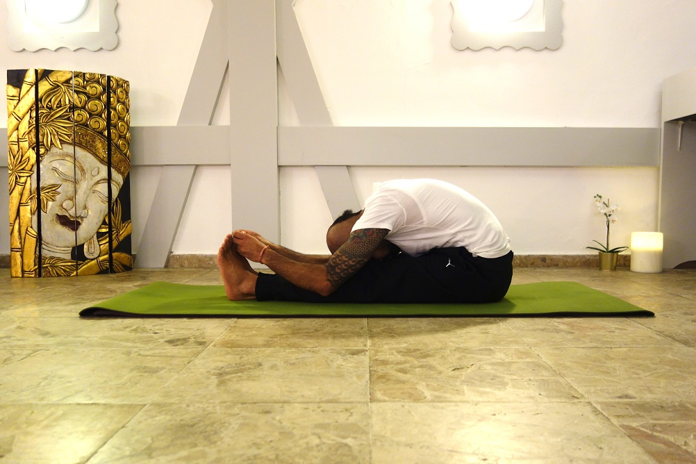 yoga_for_stress_paschimottanasana_yog_temple