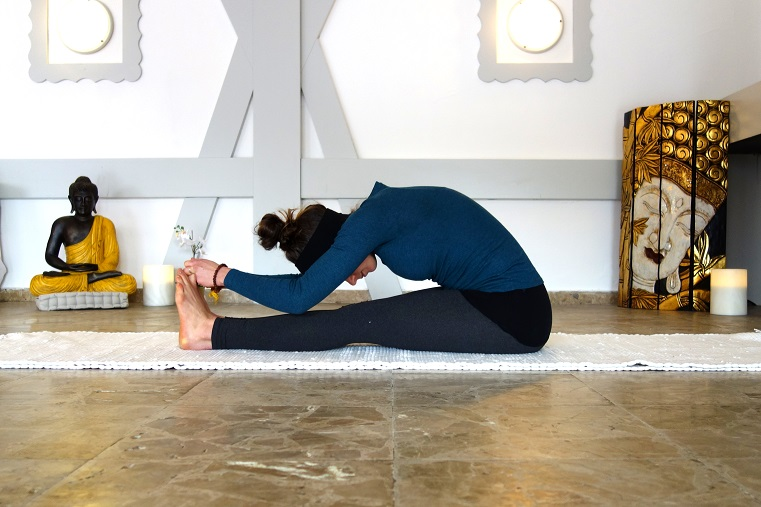 yoga_for_fertility_yog_temple_paschimottanasana