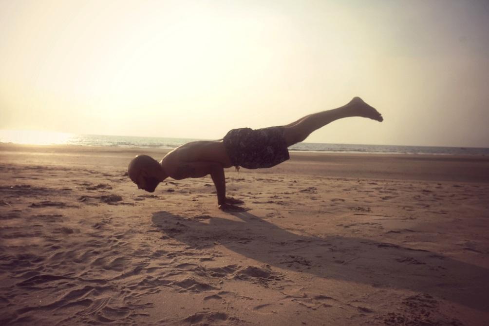 mayurasana yogtemple - Yoga Asana Glossary