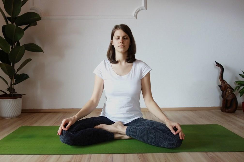 siddhayoniasana yogtemple - Yoga Asana Glossary