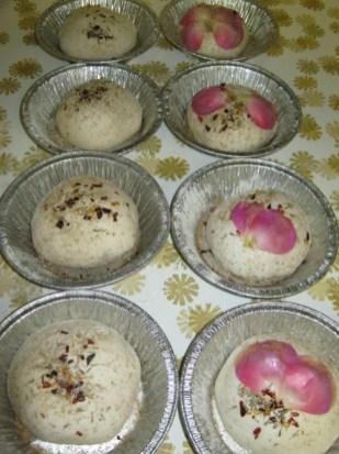 rose petal and garlic buns