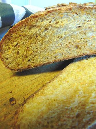 carrot sourdough bread