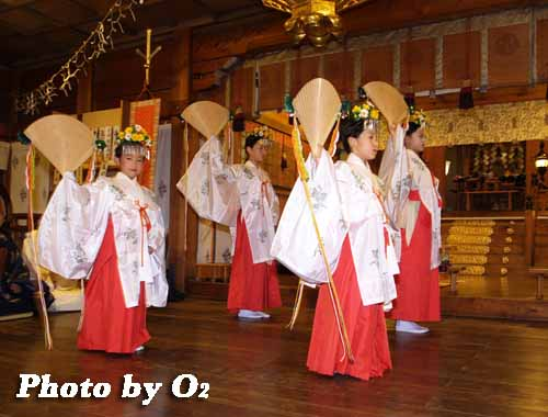平成19年 湯倉神社 本祭 浦安の舞