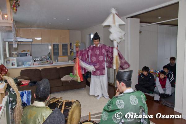 上ノ国八幡宮 神楽舞 2013