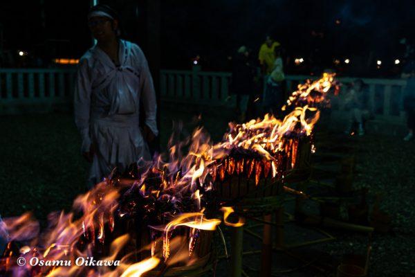 平成30年 美瑛町 美瑛神社宵宮祭 那智・美瑛火祭り 燃える二本目