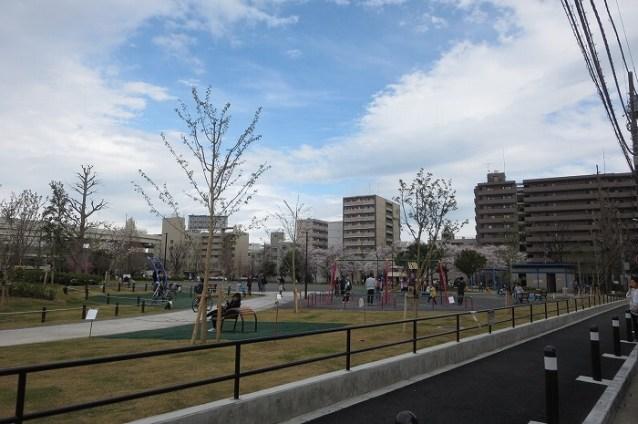 蒔田公園遊具広場