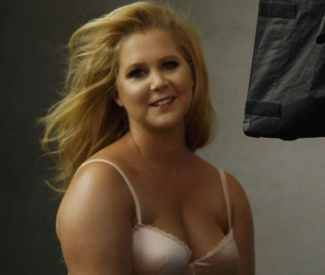 Amy Schumer Topless 3 Photos