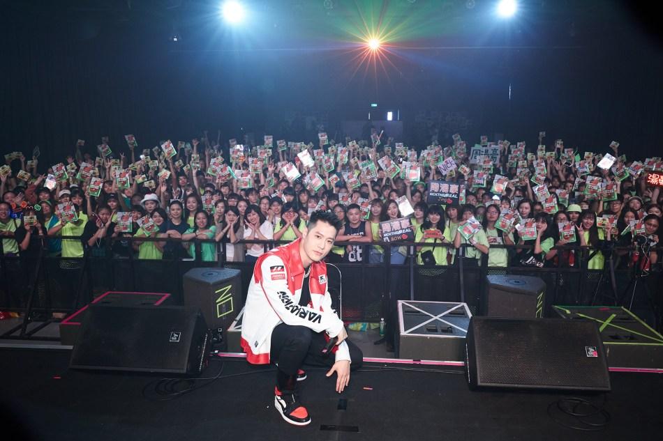 """周湯豪全新EP """"WHAT A LIFE""""榮登12冠王 數位實體銷售全制霸 6"""
