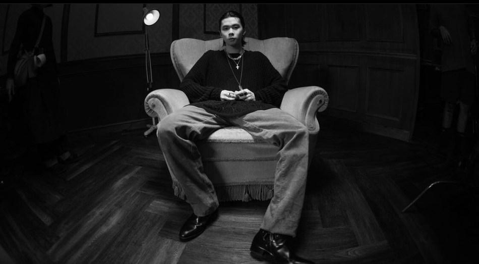 華納音樂旗下年僅 19 歲備受矚目的嘻哈新星 Hosea 全新單曲《傀儡搖籃曲》正式推出! 6