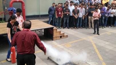 Using CO2 based extinguisher
