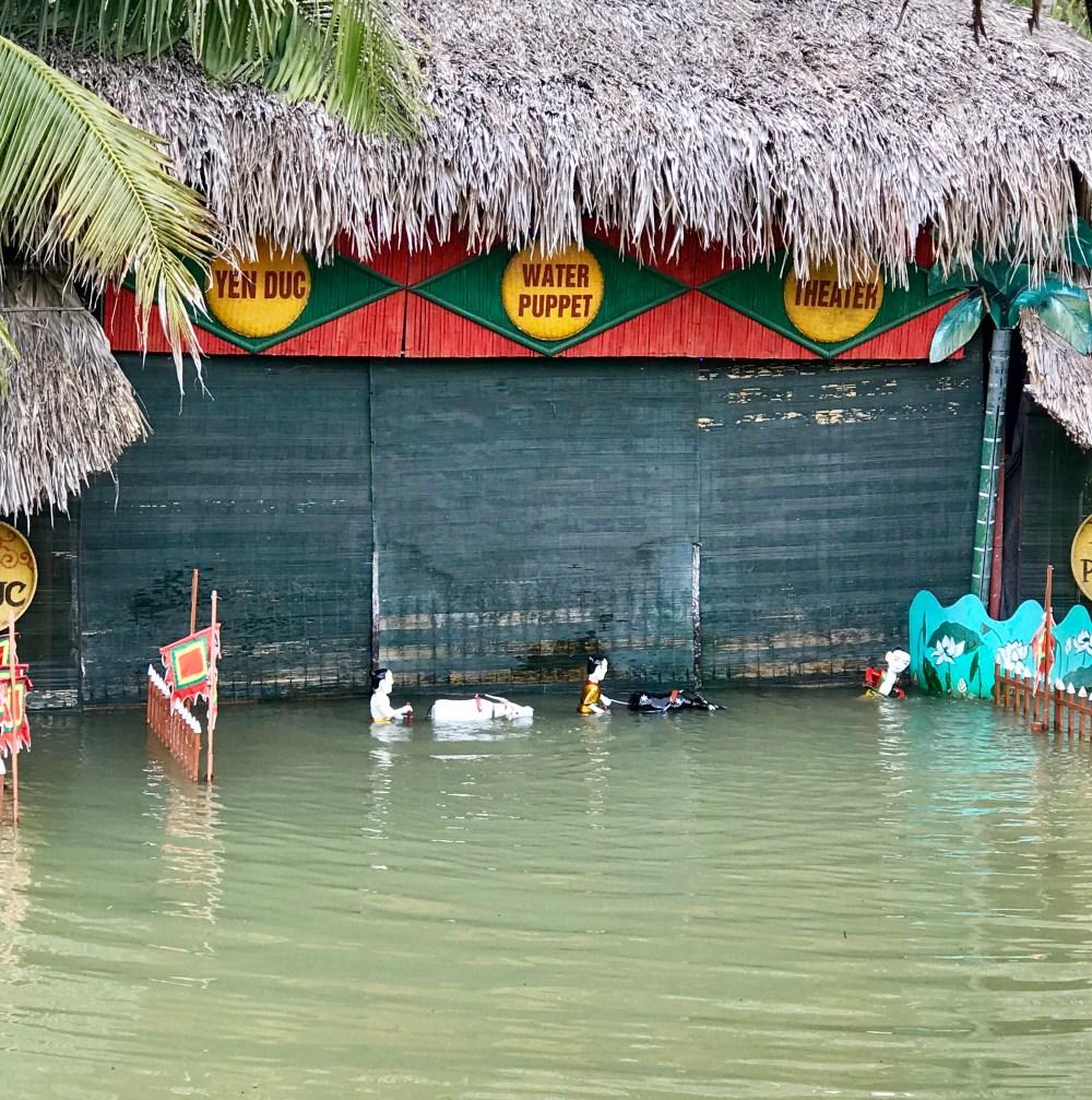 bai tu long bay cruise, Vietnam water puppet show