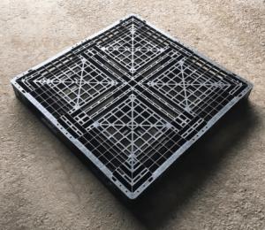 100X100 網狀田字型塑膠棧板 正面