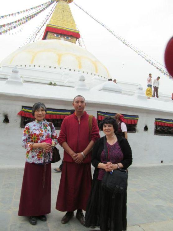 15_Circumambulating Boudhanath Stupa with Lama Lekshey