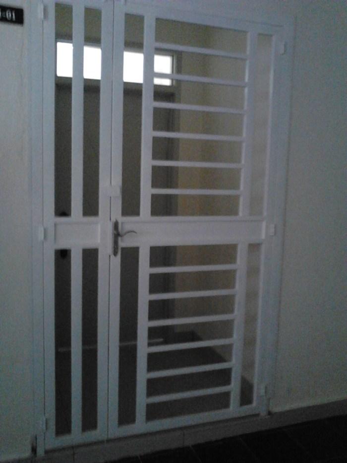 Door-06.jpg