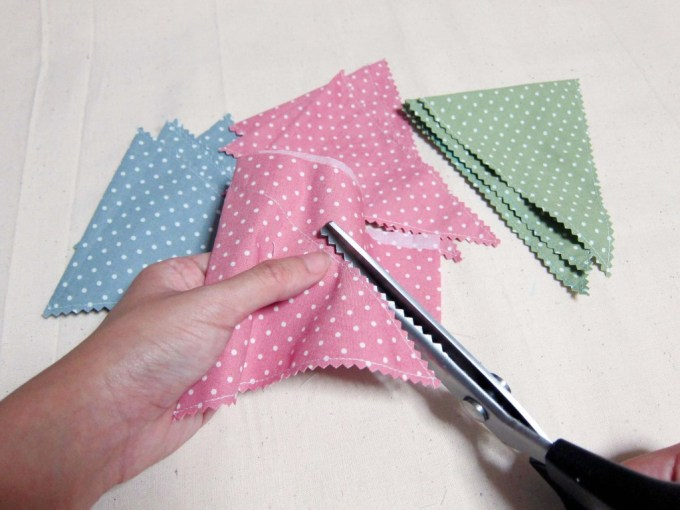 OOH - Fabric Buntings Cutting