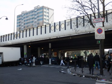 Límite de París por el norte, pasando por debajo del Boulevard Périphérique