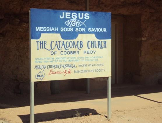 """Bienvenidos a la """"Iglesia Catacumba"""", que suena como a título de peli de Tim Burton..."""