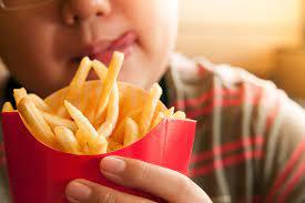 صورة ما هو الوقت المناسب للتوقف عن الأكل خلال الـ 24 ؟