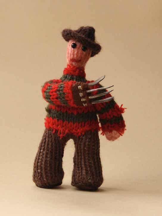 cakeyvoice-knitted-freddy