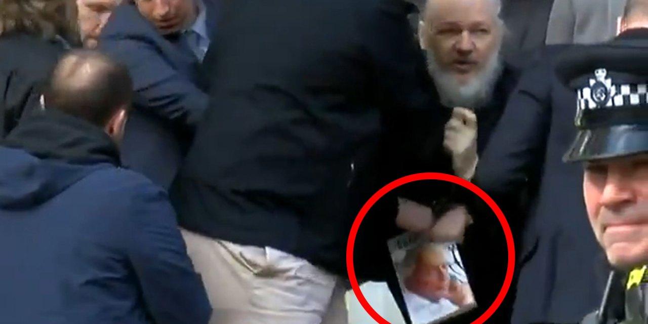 ¿De qué acusan a Julian Assange?