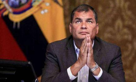 ¿De qué acusan a Rafael Correa?