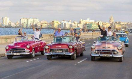 Cómo alquilar un auto clásico en Cuba o uno moderno