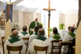 como participar en la misa del papa francisco en santa marta