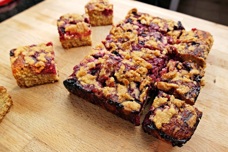 Very Berry Crumble Cake