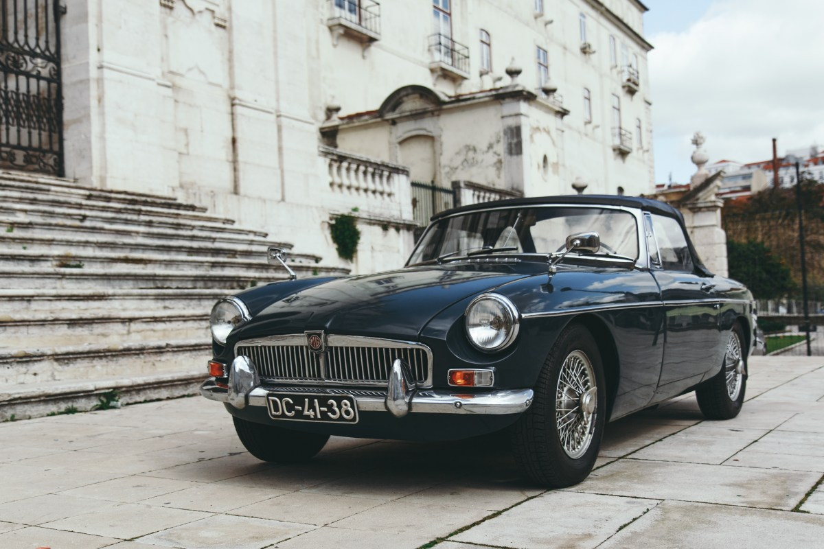 Trade publishing titles - including a series on classic cars