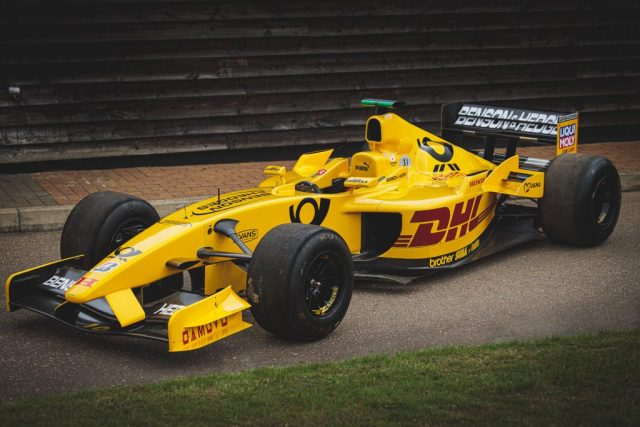 Here is an image of the 2002 Jordan Honda EJ12 in its stunning DHL Yellow livery.