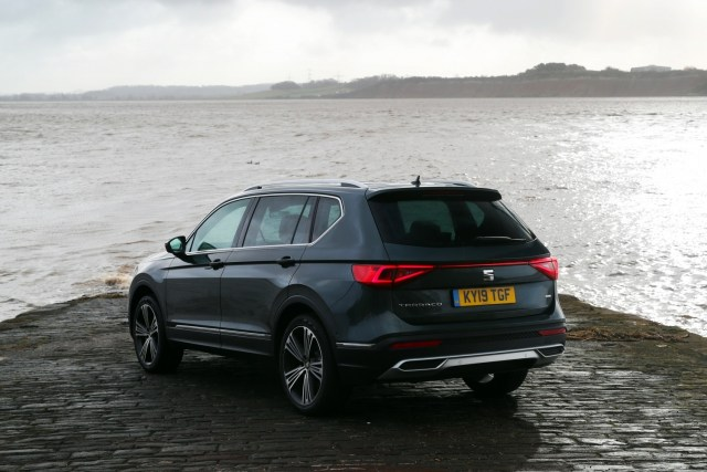 A rear end image of the SEAT Tarraco showing how striking and beautiful the styling is.