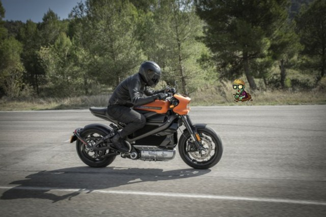 Here we have the Harley Davidson Live wire, an electric Motorbike offering in the line up of which EV is the best choice to survive a zombie apocalypse.