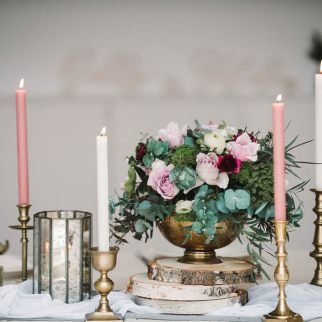 Table arrangement Styling: Suzanne Oddy Design Ltd Photo: Georgina Brewster Photography