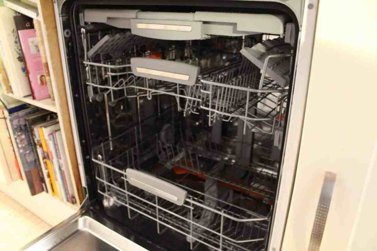HOTPOINT ULTIMA HFO 3P23 WL DISHWASHER Review (8)
