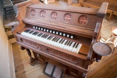 Hammond Organ Opened